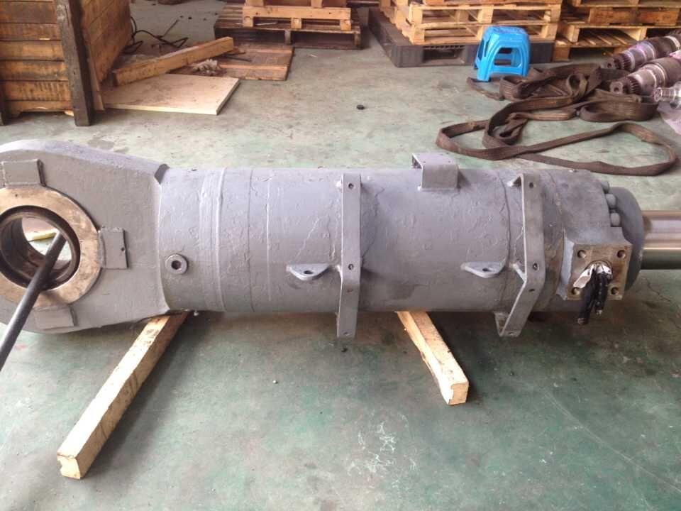 水泥立磨液压缸维修