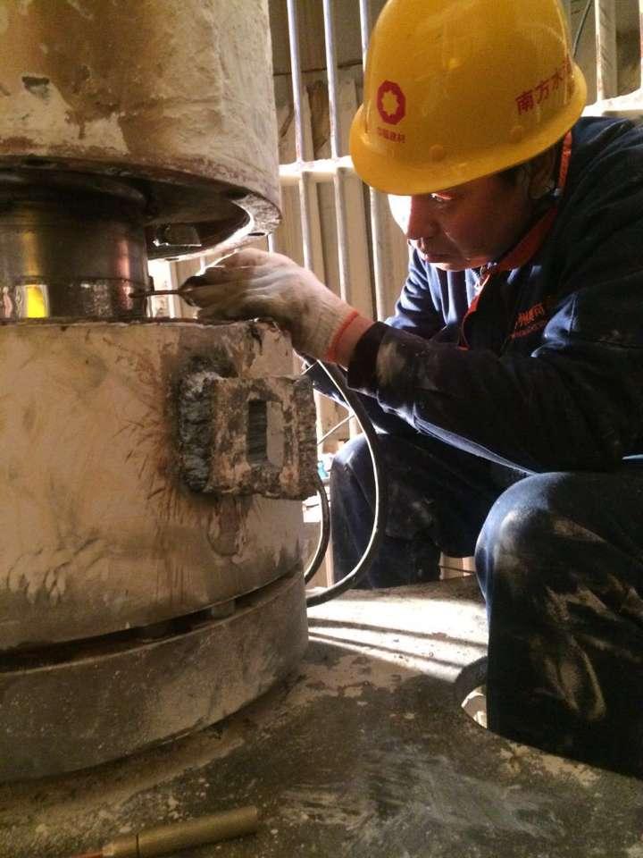 选粉机轴在线维修